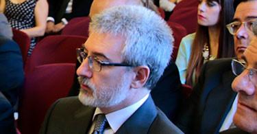 SEMINARIO DE DERECHO HIPOTECARIO Presidente: DOÑA ANA ISABEL BALTAR MARTIN. Decana Colegio de Registradores de la Propiedad y Mercantiles de Extremadura, con cuatro subsecciones: SEMINARIO SOBRE COORDINACION CATASTRAL Y REGISTRO DE LA PROPIEDAD. SEMINARIO SOBRE EJECUCION HIPOTECARIA. SEMINARIO SOBRE CRISIS CREDITO INMOBILIARIO. Coordinador: José Guillermo Peña Peña (Notario de Villafranca de los Barros). SEMINARIO SOBRE CLAUSULAS BANCARIAS ABUSIVAS. Coordinadores: Lourdes Moreno Liso y Luis Marin Hita (Profesores de Derecho Mercantil de la Universidad de Extremadura). SEMINARIO DE DERECHO URBANÍSTICO Presidente: DOÑA ANGELA VILLANUEVA ROMERO. Decana Colegio Notarial de Extremadura. Coordinador: Rafael Romero-Camacho Galván (Abogado Mérida). SEMINARIO DE DERECHO SANITARIO Presidente: D. JUAN CALIXTO GALÁN CACERES. Fiscal Jefe Audiencia Provincial de Badajoz. Coordinador: D.MARIANO CASADO BLANCO. Director Clinica Forense de Badajoz. SEMINARIO SOBRE FUERO DEL BAYLIO Presidentes: D. JUAN ENRIQUE PEREZ MARTIN (Vpte. de la Real Academia de J. y L. de Extremadura) y D. FRANCISCO LA MONEDA DIAZ (Pte. R.A.J. y L. de Extremadura). Coordinadora: Doña Mª José Mateo (Registrador de la Propiedad de Zafra). SEMINARIO DE DERECHO DE LA COMPETENCIA Presidenta: DOÑA ROSALIA PERERA GUTIERREZ (Presidenta Jurado de la Competencia de Extremadura). SEMINARIO SOBRE RESPONSABILIDAD PENAL PERSONAS JCAS Presidente : D. CARMELO CASCON MERINO (Decano Colegio Abogados Cáceres). SEMINARIO DE DERECHO DEPORTIVO Presidente: D. FRANCISCO RUBIO SANCHEZ. Catedrático Derecho Laboral de la Univ. de Extremadura. Coordinadores: Luis Marin Hita (Prof. UEX) y Alberto Saenz de Santa María (Notario Cáceres).
